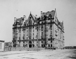Dakota_Building_and_Central_Park_West_circa_1880_119925pv